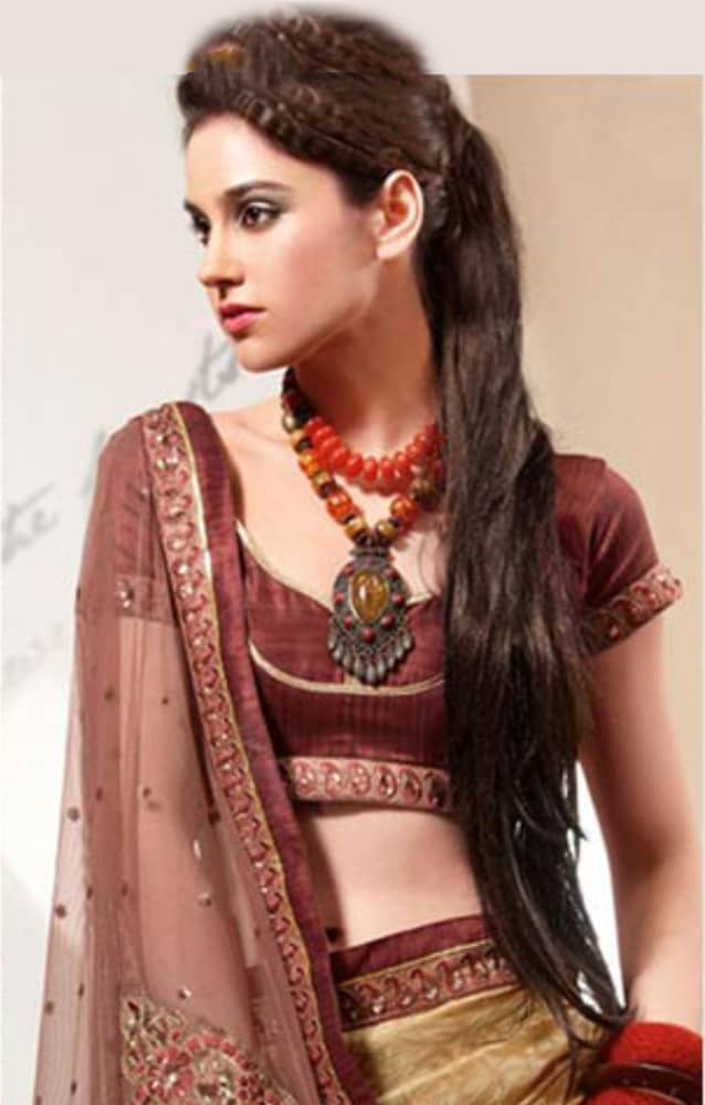 Hairstyle On Saree For Round Face 20 Most Beautiful Hairstyles